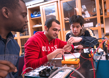 MCC students in an engineering class