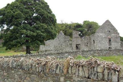 Phot of more ruins in Ireland