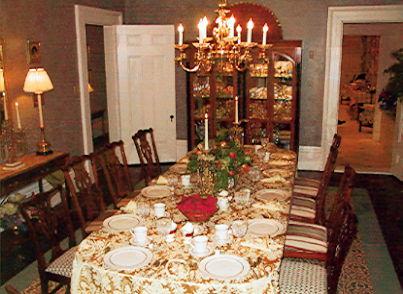 Photo of dining room at Nesmith House