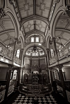 Photo of a synagogue