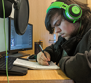 MCC student attending online classes from his home